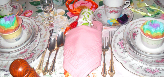 Holiday and Hearth Holiday & Hearth Lisa Anne Novelline craft blog Tissue flowers on table
